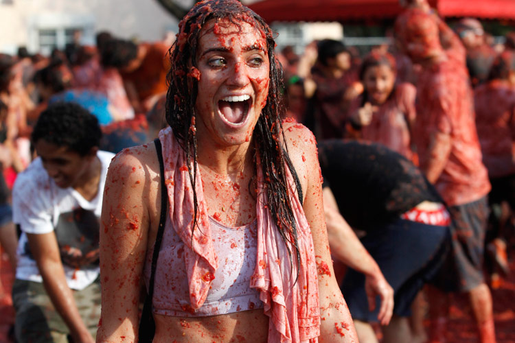 La Tomatina festival in Bunol town, Photos !! - The Indian Talks