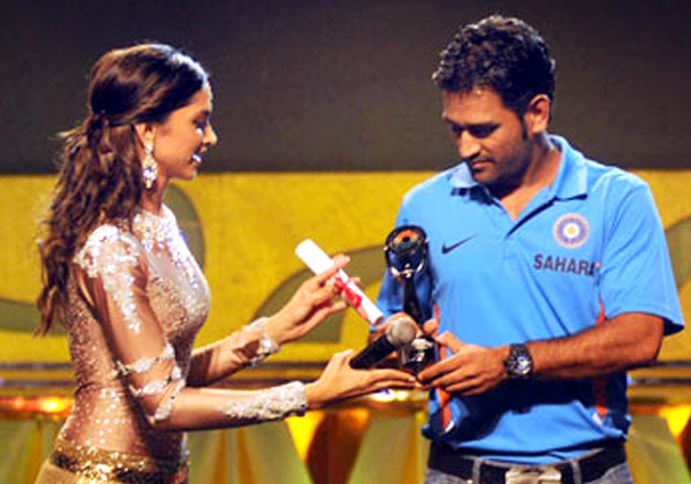 Dhoni and deepika Padukone