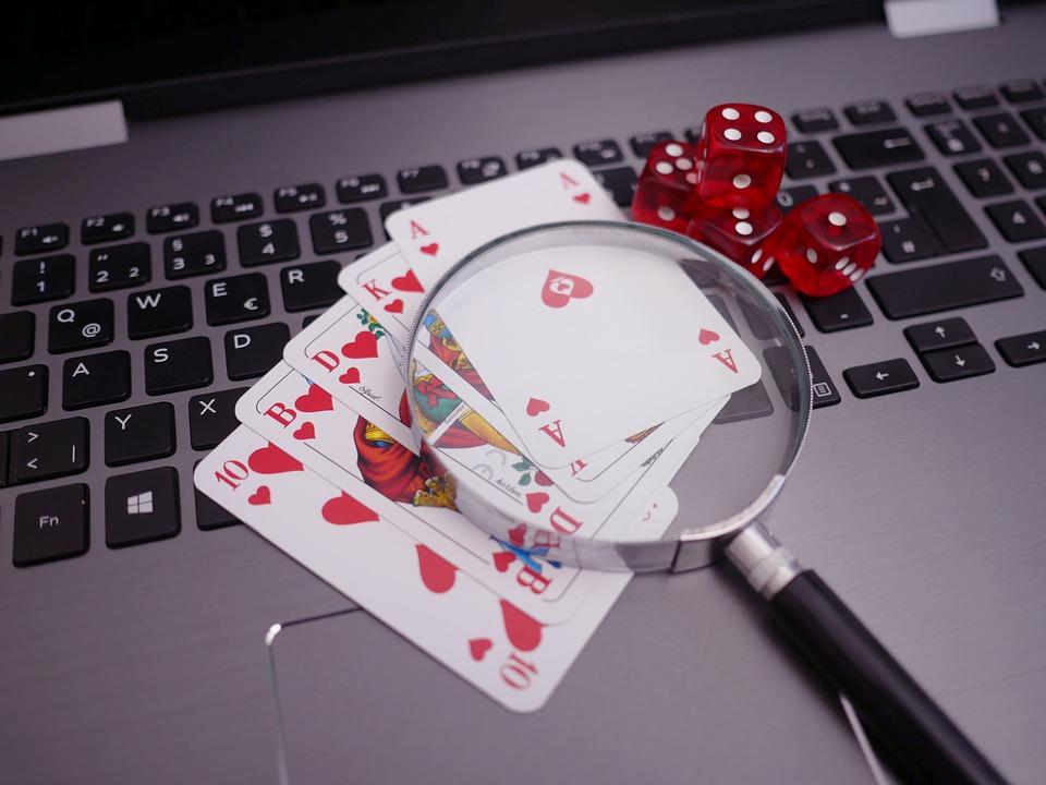 Five Unique Advantages of Online Gambling