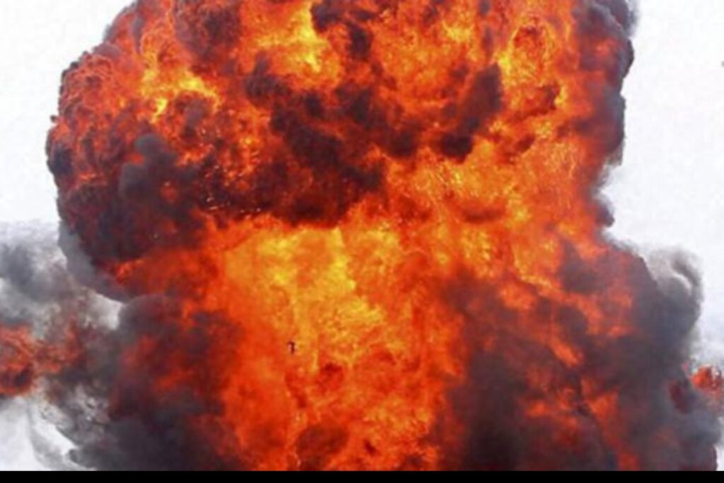 Catastrophe near Ahmedabad due to LPG cylinder blast - top 10 news